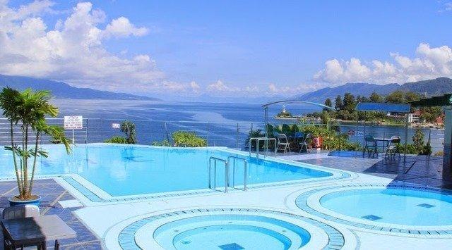 hotel terbaik dekat danau toba
