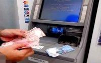 Tips aman saat menarik uang ATM