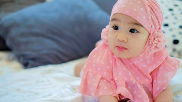 Deretan Inspirasi Nama Bayi Perempuan Islami Bermakna Kebaikan