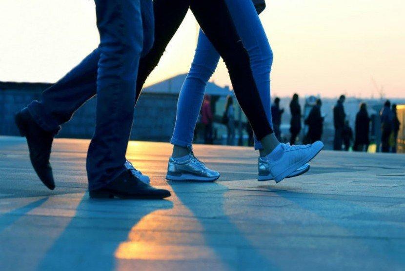 Terbiasa Berjalan Lambat atau Malah Cepat? Ini Kelebihannya