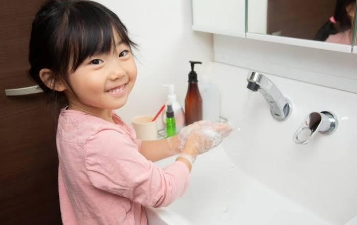 cara mudah mengajak balita cuci tangan