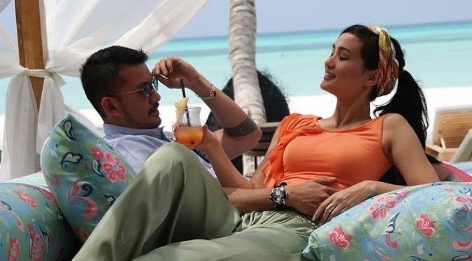 Pasangan Seleb yang Cinlok dari FTV Hingga Berujung Pelaminan