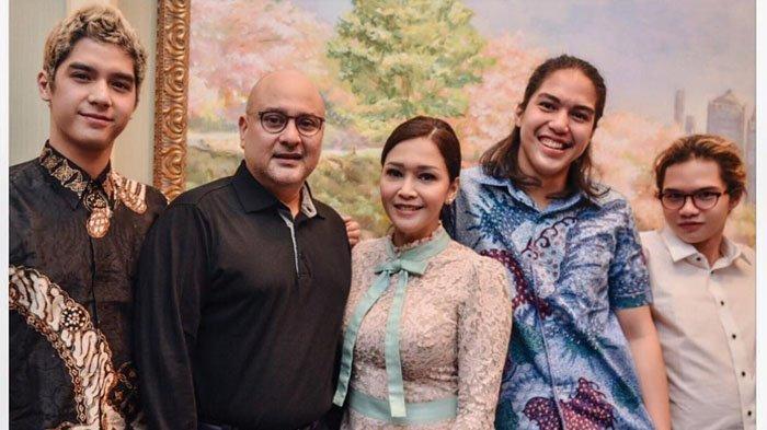 Deretan Artis yang Menikah dengan Crazy Rich Surabaya