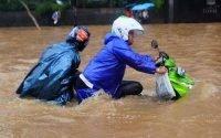 Tips Agar Sepeda Motor Tidak Mogok Saat Melewati Banjir