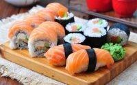 Urutan Makan Sushi yang Benar