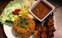 9 Lauk Pendamping Nasi Goreng, Yang Mana Favoritmu?