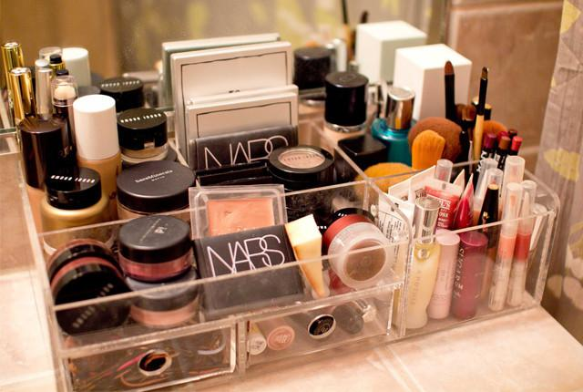 Ciri-ciri Produk Make Up Palsu, Hati-hati