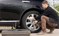 cara mengganti ban mobil