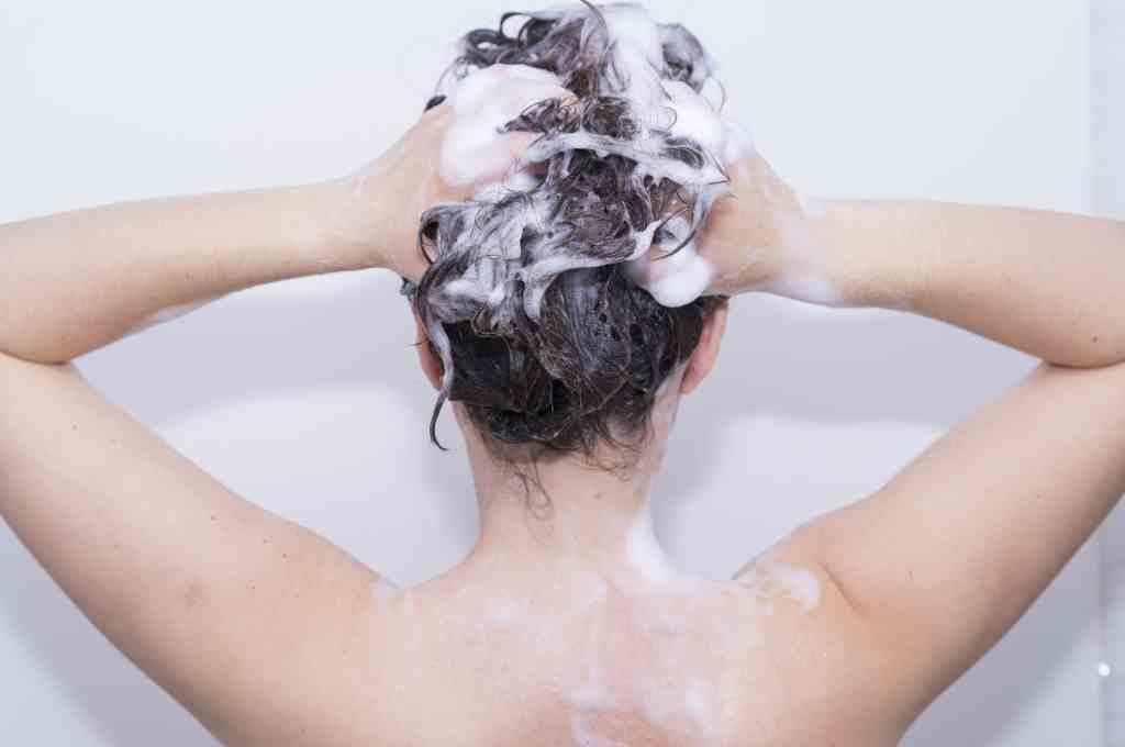 kesalahan mencuci rambut