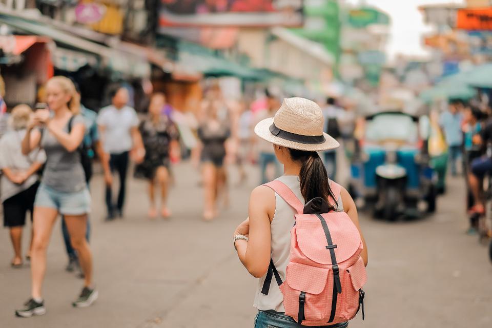 jalan-jalan tanpa tour guide